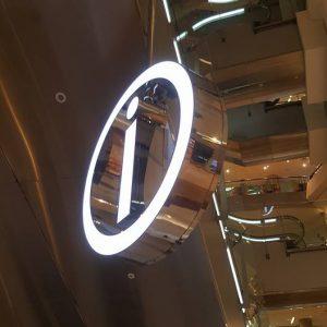 巨城-雙面阡納論燈箱